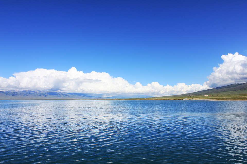 <em>青海湖</em>码头<em>位于</em>二郎剑景区内
