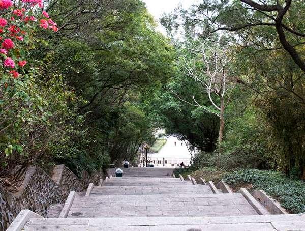 garmin轻旅行03环游惠州西湖浓妆淡抹总相宜进入公园大门广场